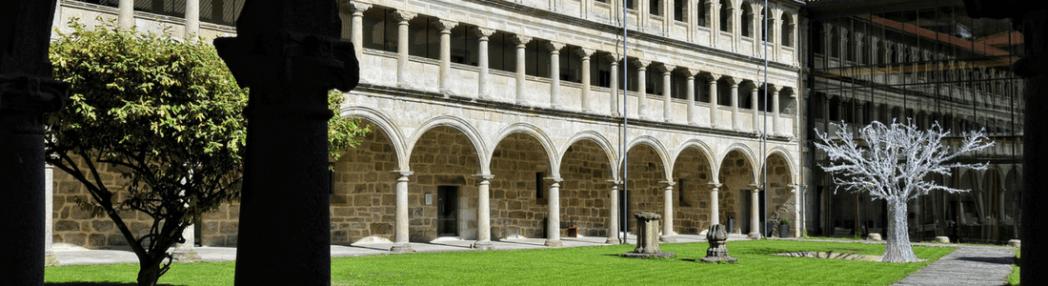 Claustros y monasterios