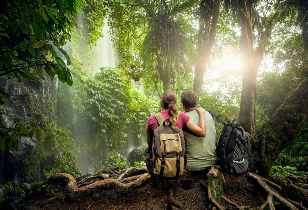 parejas en la naturaleza